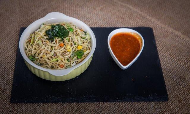 Hakka Noodles - Veg