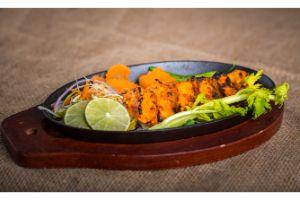 Guntur(Red Chili sauce) Chicken (Spicy)