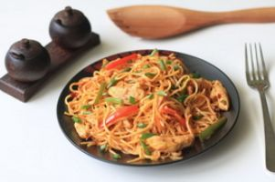 Schezwan Chicken Noodles