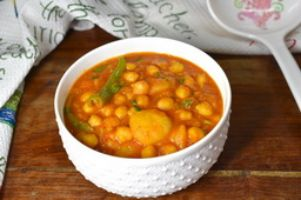 ALOO (Potato) CHANNA ( Chickpea)