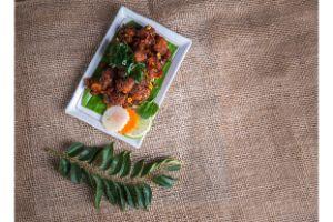 Karvepaku Chicken