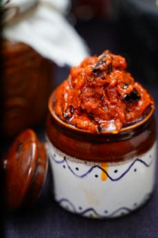 Red Chilli Pickle (Pandu Mirapakaya Pachadi)