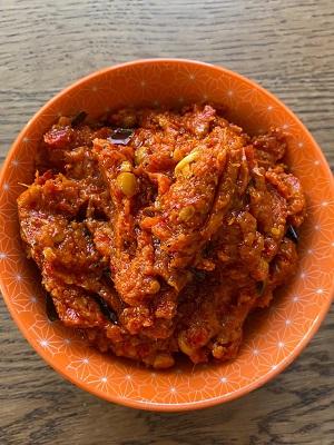 Chintakaya Pandu Mirapakaya Pachadi ( Raw Tamarind Red Chilli Pickle)