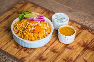 Hyderabadi Veg Dum Biryani - Family Pk