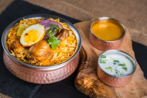 Hyderabadi Chicken Dum Biryani  - Family Pk