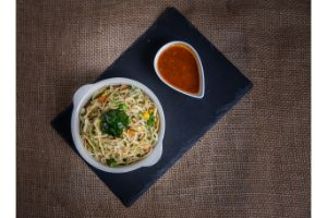 Hakka Noodles (Chicken)